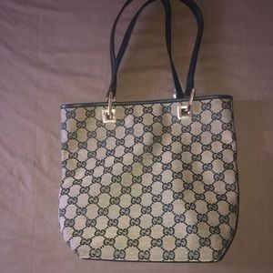 Authentic Gucci Monogram Vintage Classic Bag